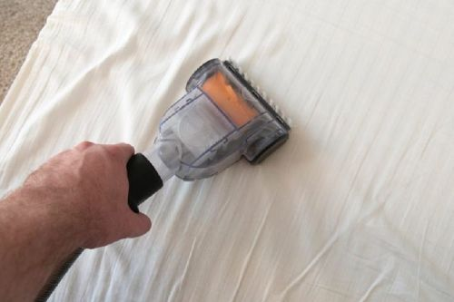 cleaning-memory-foam-pillow (1)